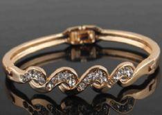 18k Gold Plated Twist Clear Austrian Crystal Wrist Bracelet Bangle Jewelry
